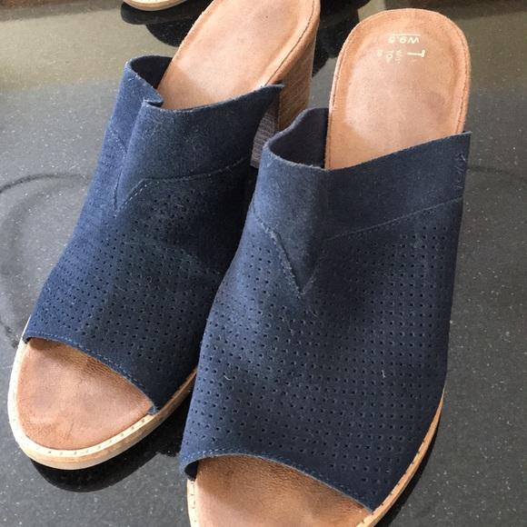 08e072abbb5 Toms women s Majorca Mule sandal. Size 9.5. M 5a89a3a650687c71491502ad